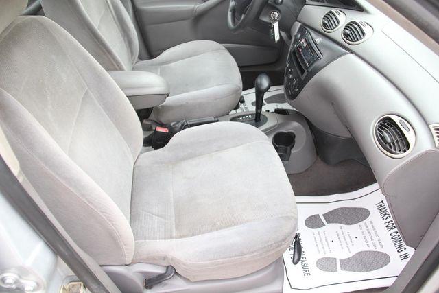 2002 Ford Focus SE Comfort Santa Clarita, CA 14