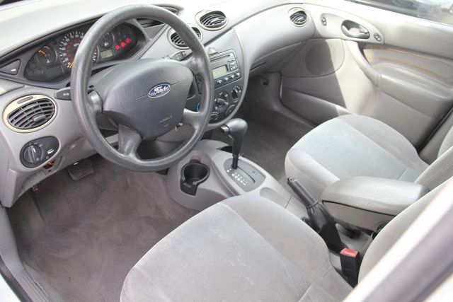 2002 Ford Focus ZTW Santa Clarita, CA 8