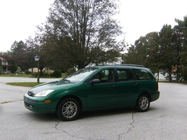 2002 Ford Focus SE Wagon West Chester, PA 5