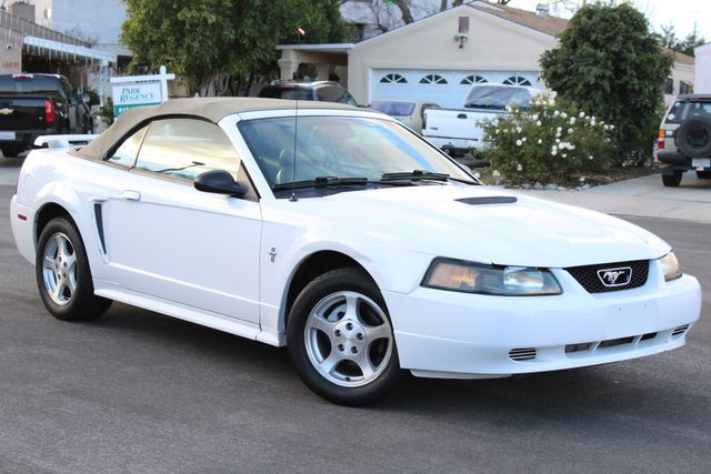2002 Ford MUSTANG PREMIUM 53K MLS SERVICE RECORDS 1-OWNER in Woodland Hills, CA 91367