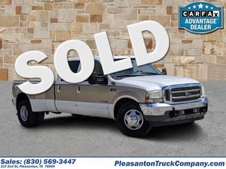 2002 Ford Super Duty F-350 DRW Lariat | Pleasanton, TX | Pleasanton Truck Company in Pleasanton TX