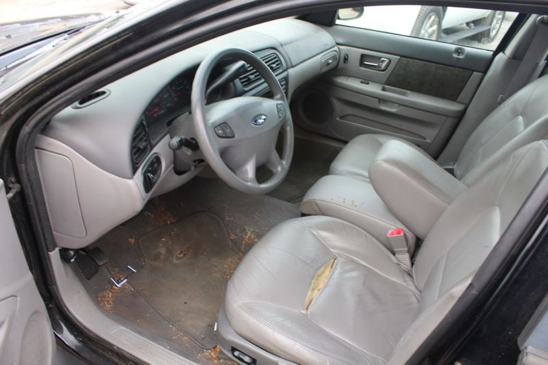 2002 Ford Taurus SES Standard  city MD  South County Public Auto Auction  in Harwood, MD