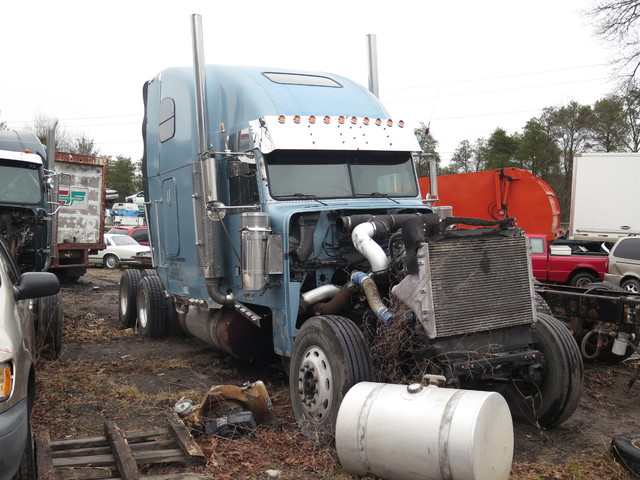 2002 Freightliner XL Classic