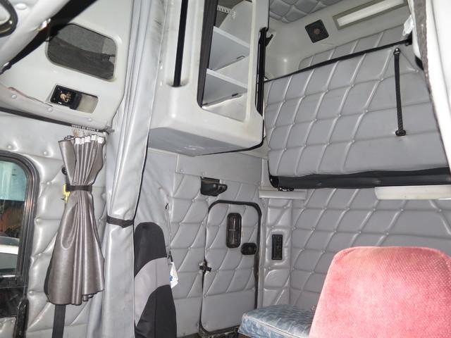 2002 Freightliner XL Classic in Ravenna, MI 49451