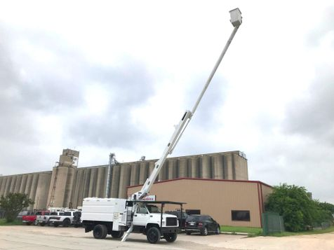 2002 GMC 7500 FORESTRY BUCKET TRUCK  in Fort Worth, TX