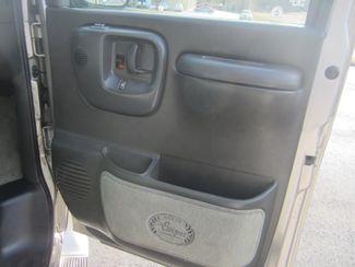 2002 GMC Savana Passenger Batesville, Mississippi 33