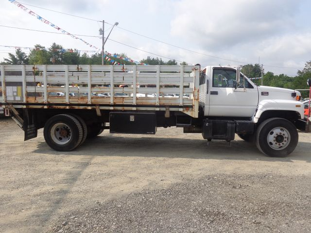 2002 GMC TC7H042 Hoosick Falls, New York 2