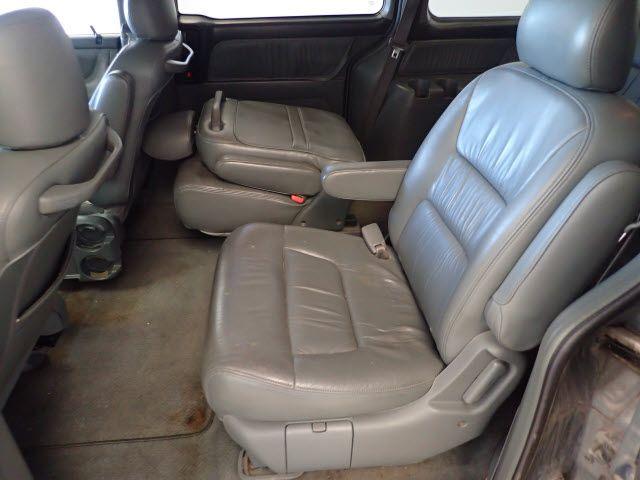 2002 Honda Odyssey EX-L w/DVD/Leather Lincoln, Nebraska 3