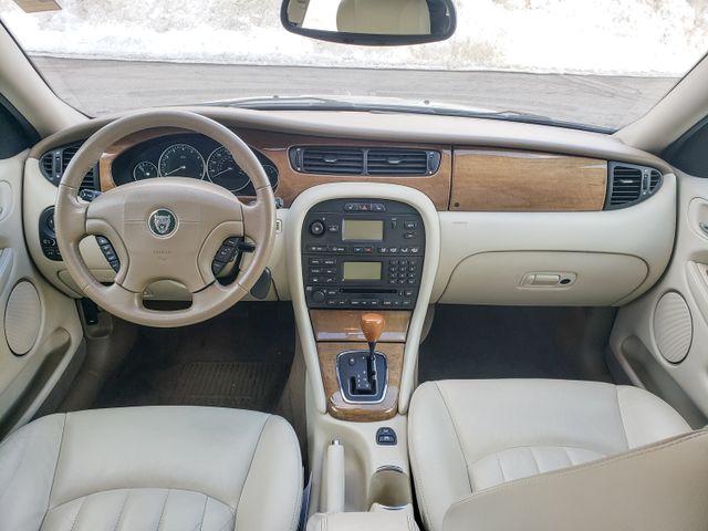2002 Jaguar X-TYPE Maple Grove, Minnesota 32