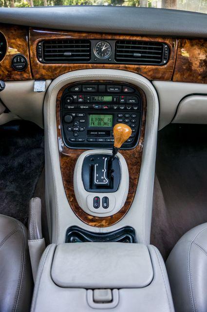 2002 Jaguar XJ XJ8 in Reseda, CA, CA 91335