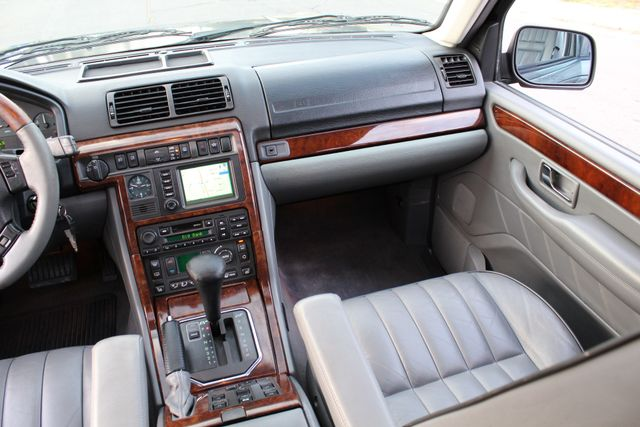 2002 Land Rover RANGE ROVER HSE LUXURY 1-OWNER NEW TIRES SERVICE RECORDS in Woodland Hills, CA 91367