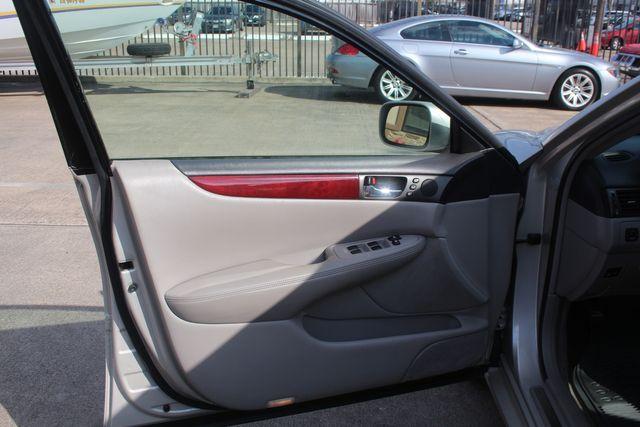 2002 Lexus ES 300 Houston, Texas 19
