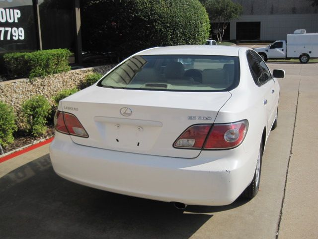 2002 Lexus ES 300, 2 Owners, Clean Carfax, L@@K ONLY 75k MIles in Plano, Texas 75074