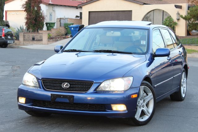 2002 Lexus IS 300 1-OWNER TIMING BELT DONE XENON SERVICE RECORDS in Woodland Hills CA, 91367