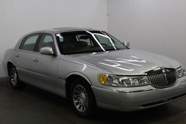 2002 Lincoln Town Car Sig. Touring