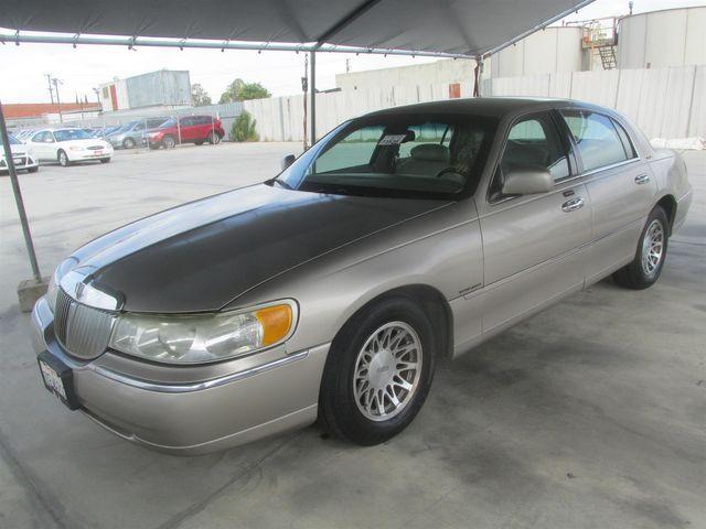 2002 Lincoln Town Car Sig. Gardena, California