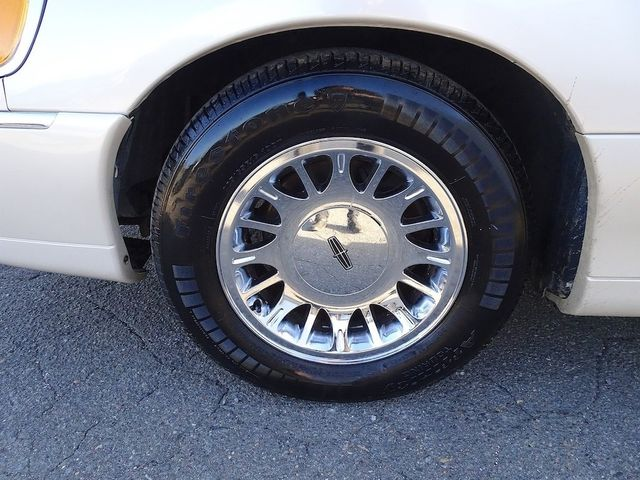 2002 Lincoln Town Car Cartier L Madison, NC 10