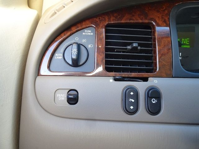 2002 Lincoln Town Car Cartier L Madison, NC 18