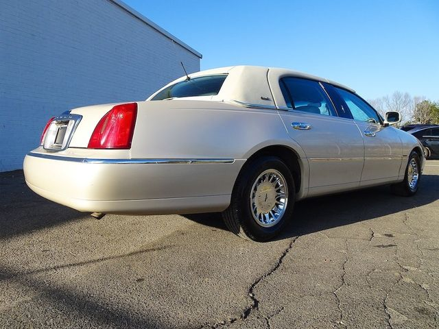 2002 Lincoln Town Car Cartier L Madison, NC 2