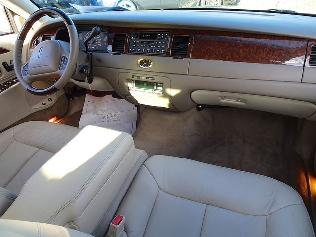 2002 Lincoln Town Car Cartier L Madison, NC 37