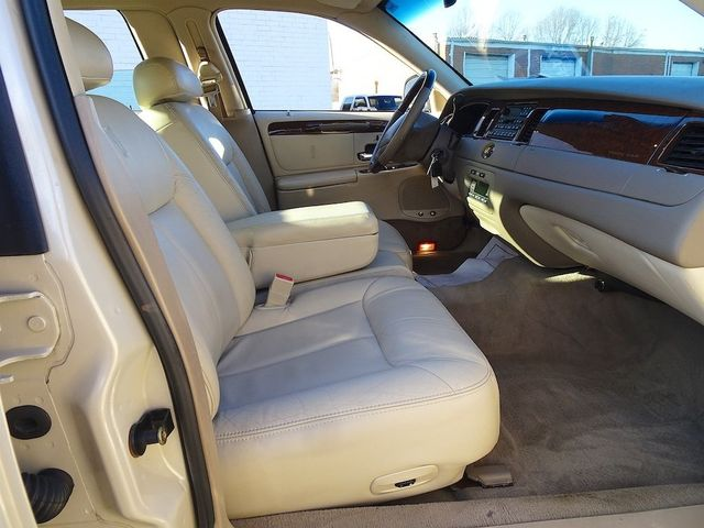 2002 Lincoln Town Car Cartier L Madison, NC 40