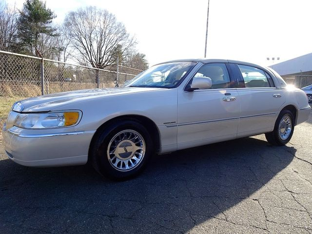 2002 Lincoln Town Car Cartier L Madison, NC 6