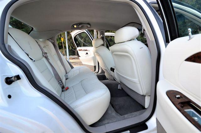 2002 Lincoln Town Car Sig. Prem. in Reseda, CA, CA 91335