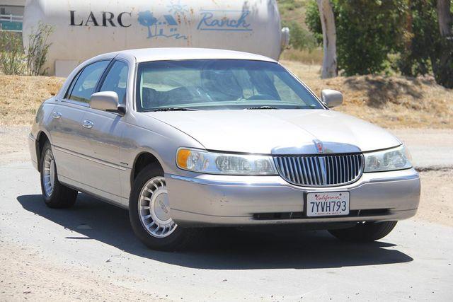 2002 Lincoln Town Car Executive Santa Clarita, CA 3