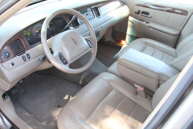 2002 Lincoln Town Car Executive Santa Clarita, CA 8