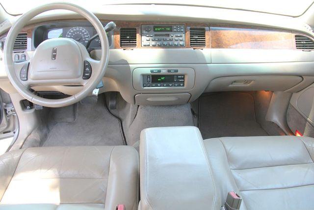 2002 Lincoln Town Car Executive Santa Clarita, CA 7