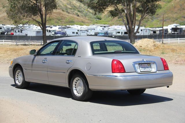 2002 Lincoln Town Car Executive Santa Clarita, CA 5