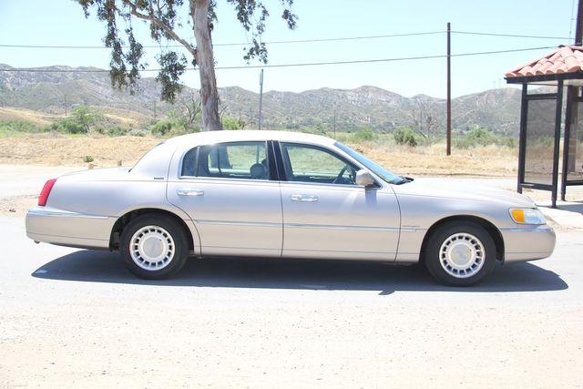 2002 Lincoln Town Car Executive Santa Clarita, CA 12