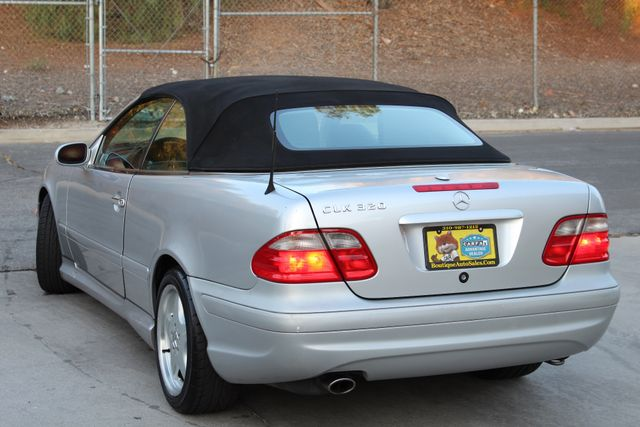 2002 Mercedes-Benz CLK320 CONVERTIBLE AUTOMATIC LOW MILES XENON SERVICE RECORDS in Woodland Hills CA, 91367