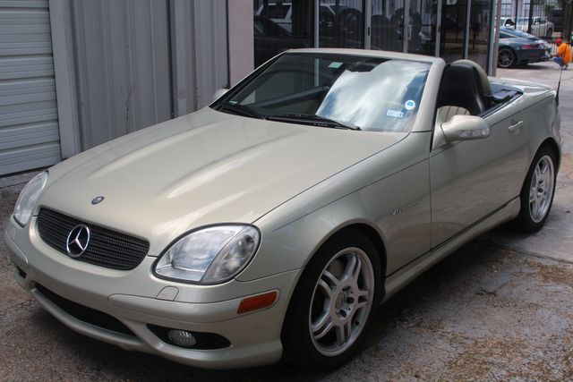 2002 Mercedes-Benz SLK32 3.2L AMG designo