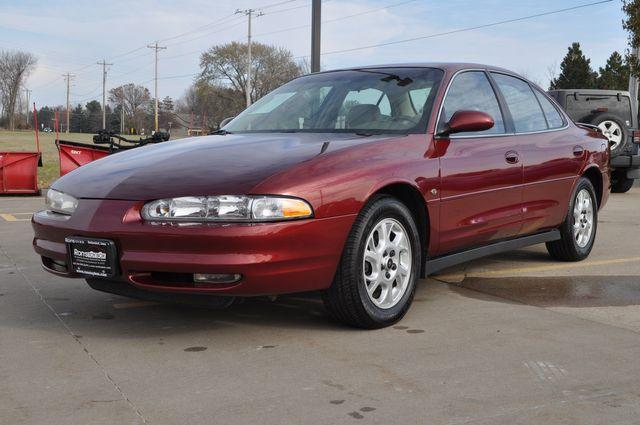 2002 Oldsmobile Intrigue GL in Bettendorf, Iowa 52722