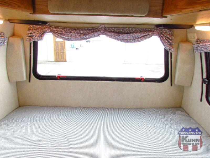 2002 Roadtrek 200 Versatile   in Sherwood, Ohio