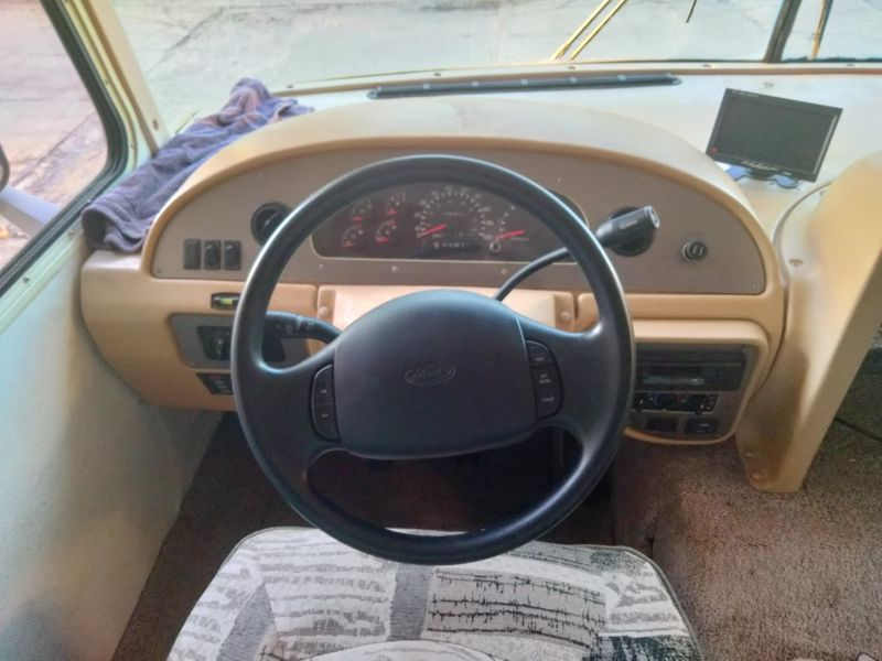 2002 Thor HURRICANE   city FL  Manatee RV  in Palmetto, FL
