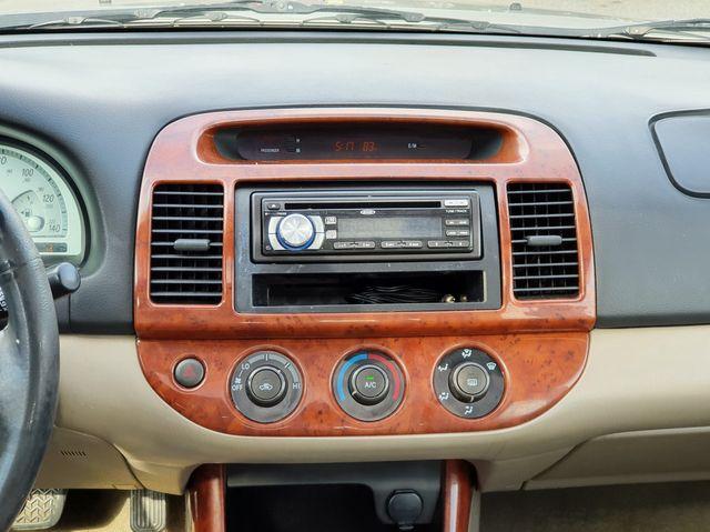 "2002 Toyota Camry LE Sunroof/16"" Aluminum Wheels in Louisville, TN 37777"