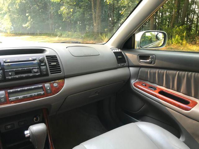 2002 Toyota Camry XLE Ravenna, Ohio 9
