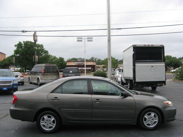 2002 Toyota Camry LE Richmond, Virginia 4