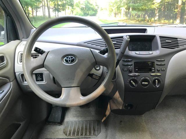 2002 Toyota Prius Ravenna, Ohio 8