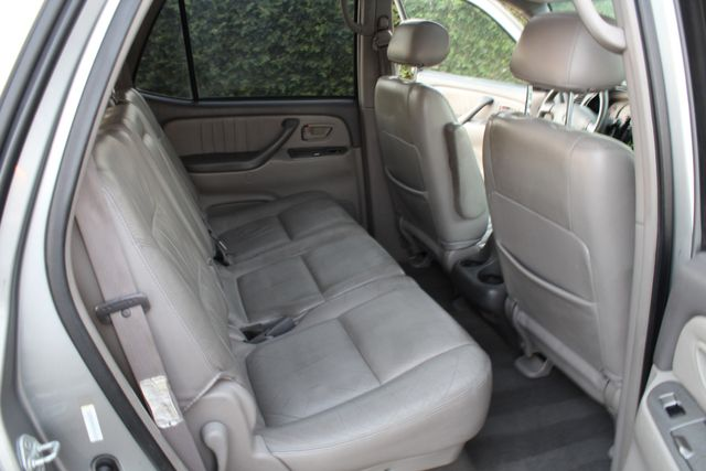 2002 Toyota Sequoia Limited ONE OWNER SERVICE RECORDS in Woodland Hills CA, 91367