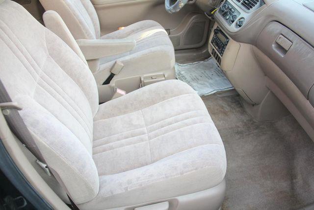 2002 Toyota Sienna LE Santa Clarita, CA 14