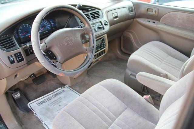 2002 Toyota Sienna LE Santa Clarita, CA 8