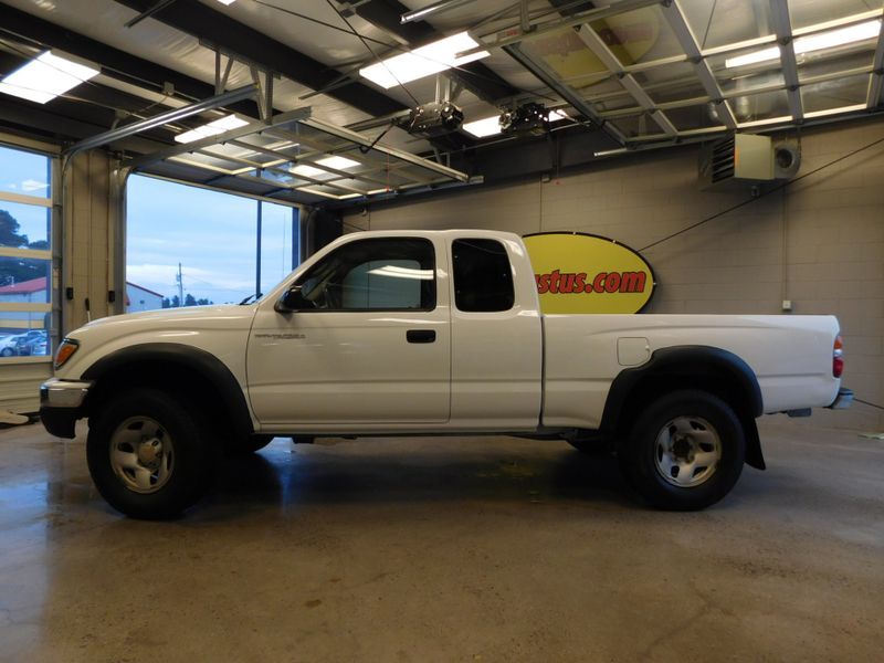 2002 Toyota Tacoma XTRACAB  city TN  Doug Justus Auto Center Inc  in Airport Motor Mile ( Metro Knoxville ), TN