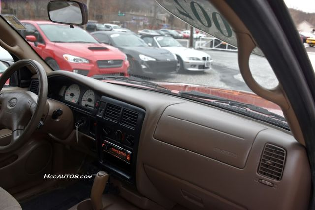2002 Toyota Tacoma XtraCab Waterbury, Connecticut 26