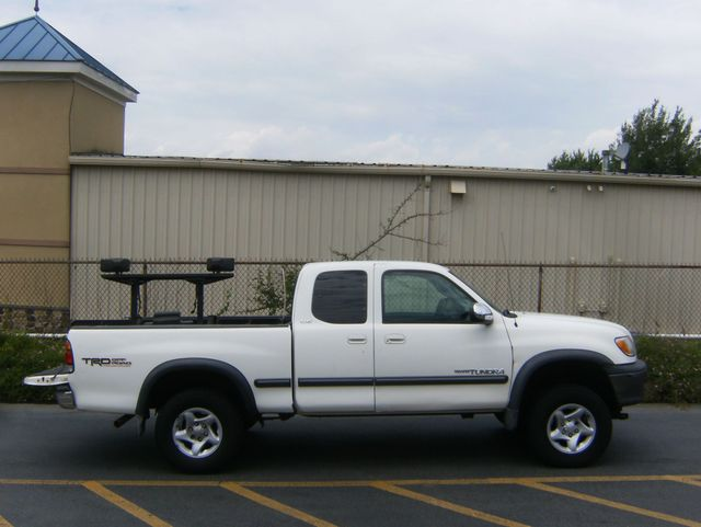 2002 Toyota Tundra SR5 4WD in West Chester, PA 19382
