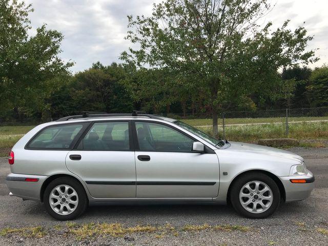 2002 Volvo V40 Ravenna, Ohio 4
