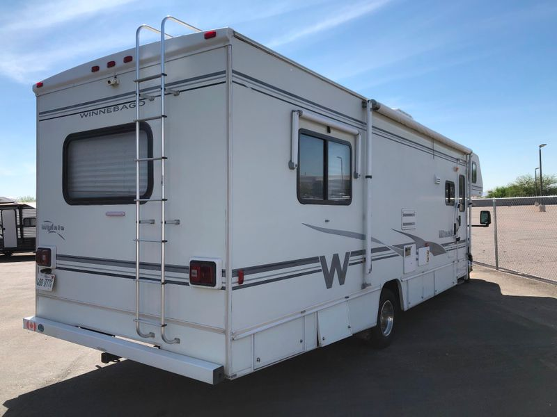 2002 Winnebago Minnie 31C  in Avondale, AZ