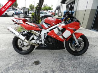 2002 Yamaha YZF R6 in Hollywood, Florida